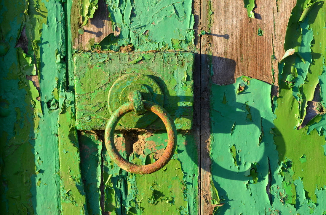 That old rusty green door knob.