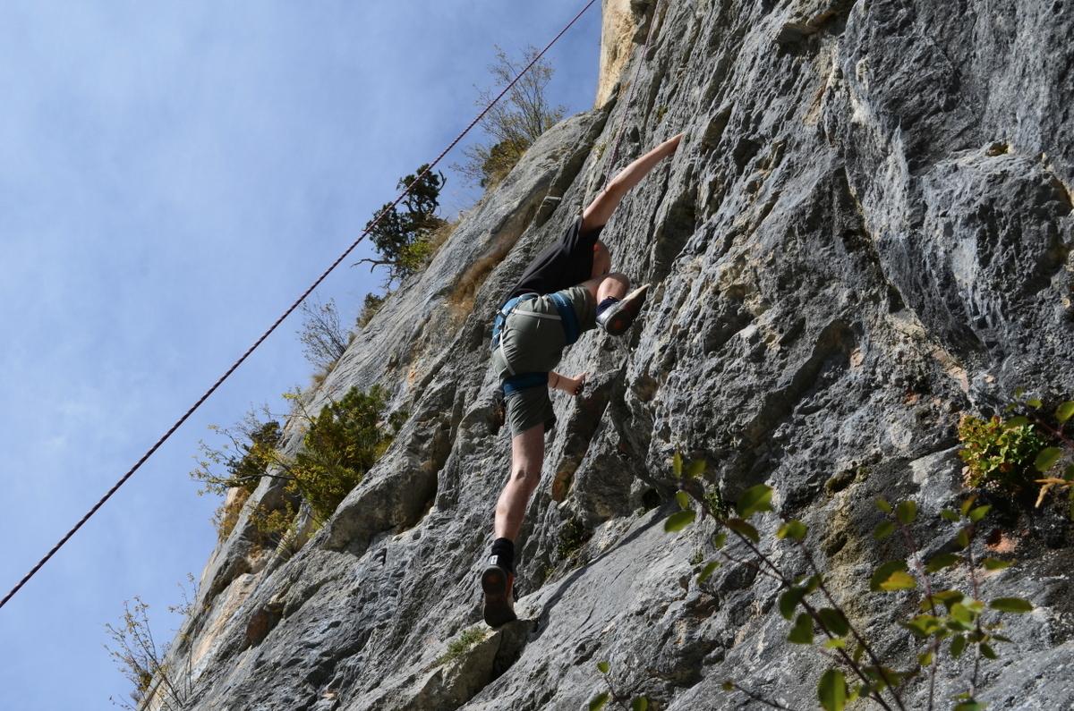 Jean climbing